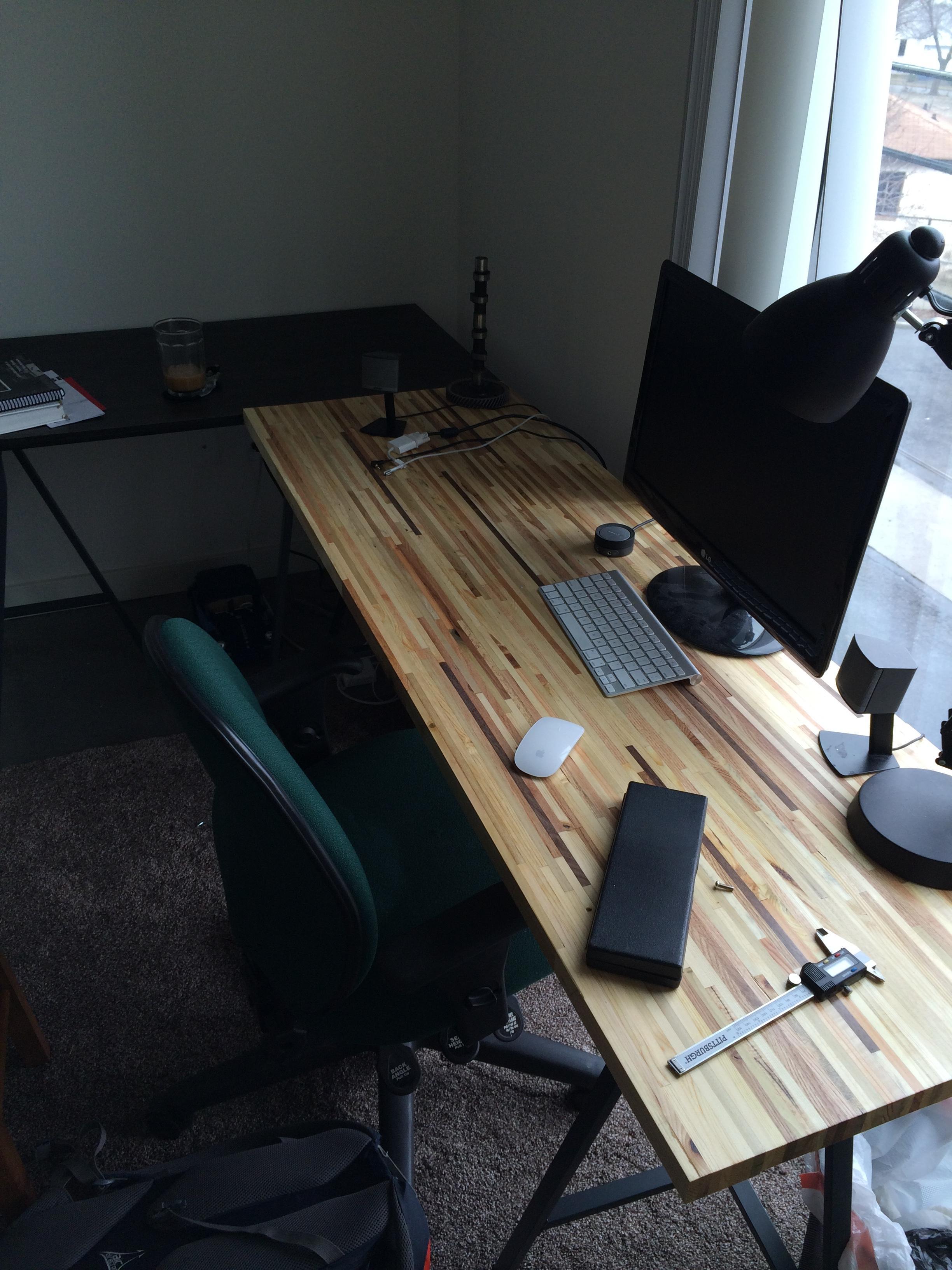 Scrap To Swank: Turn Pallets Into A Beautiful Desk