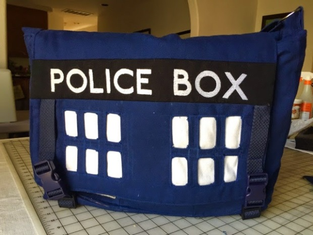 TARDIS-Messenger-bag-1