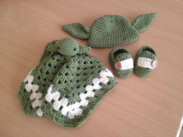 baby-yoda-crochet-1