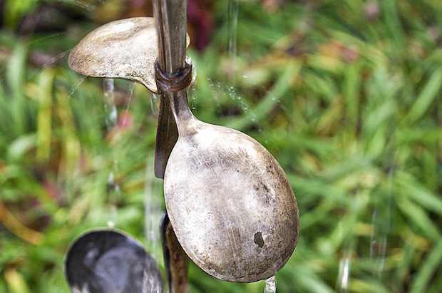 birdsandblooms_spoon_rain_chain_01