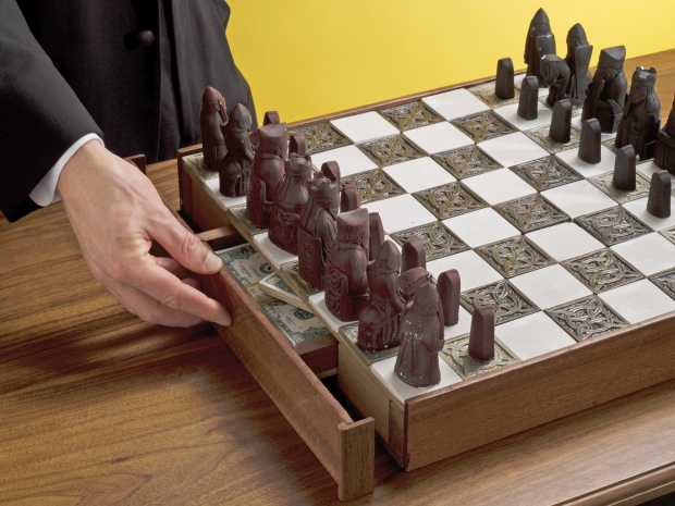 secret-chess-compartment