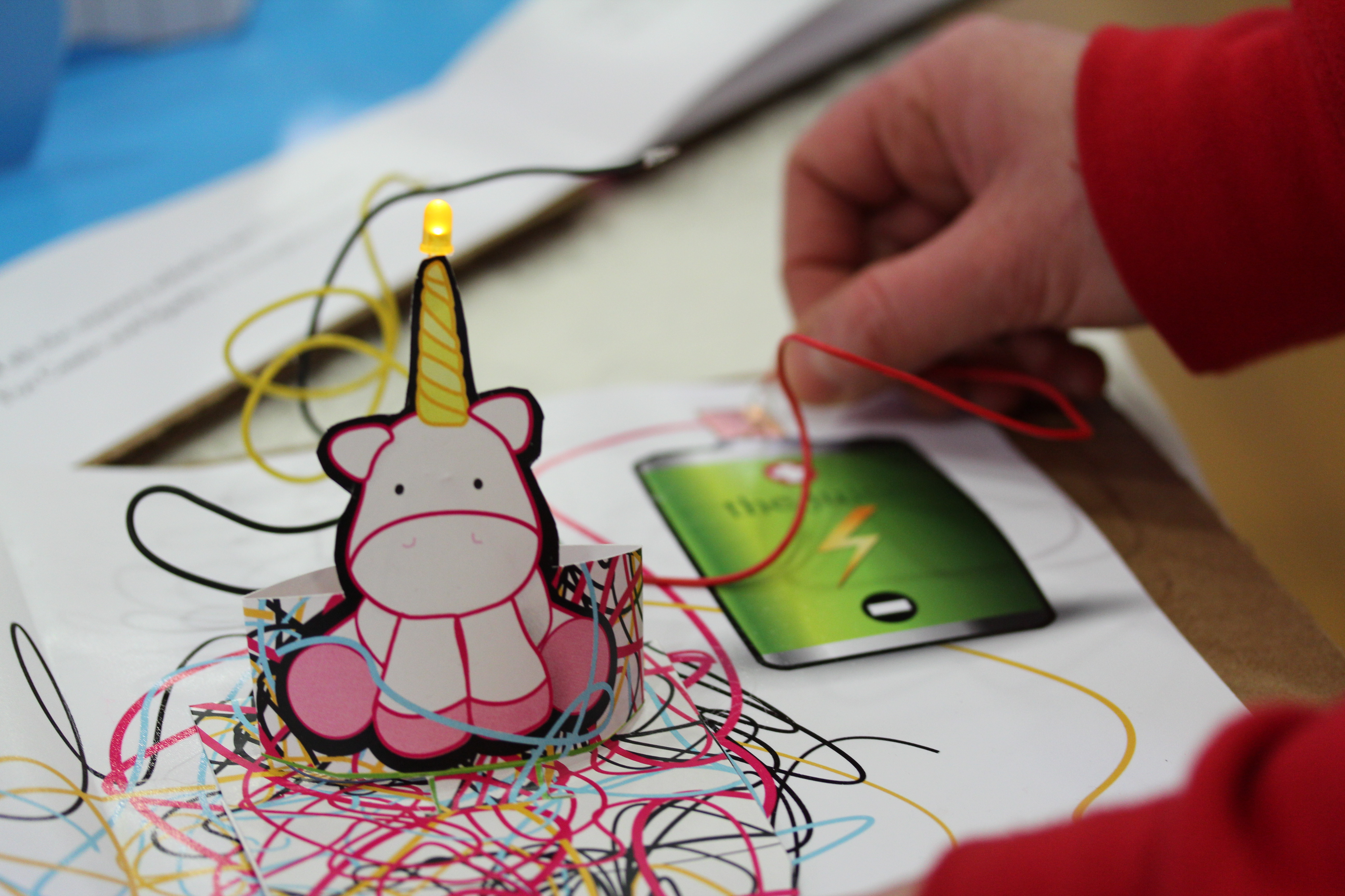 Project Daffodil Uses Electronics to Create Interactive Pop-Up Books