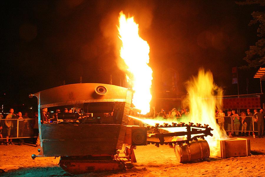 Meet the Fiery Destruction Bots of Justin Gray
