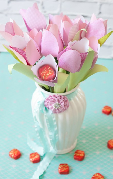 Dove-Mothers-Day-DIY-paper-flower-tulip-bouquet-in-vase