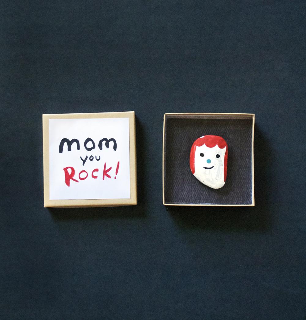 Last Minute Gift: Rock Portrait for Mom