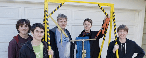 These Kids Built an Exoskeleton to Lift 400 Pounds