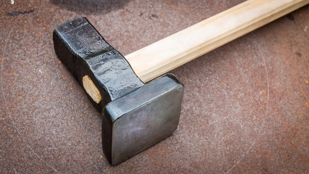 A Flatter hammer can be difficult to forge but it doesn't have to be thanks to blacksmith Torbjörn Åhman.