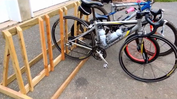 Diy bicycle rack Pvc Pipe Wooden Bike Rack Make Magazine Bike Storage Solutions You Can Build Right Now Make