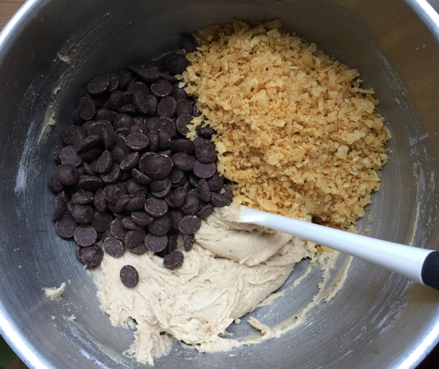 Recipe: Dark Chocolate Chip and Potato Chip Cookies