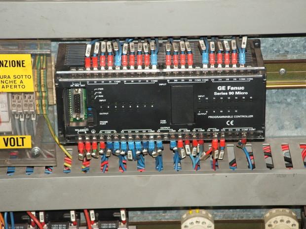 1200px-FANUC_PLC - public domain