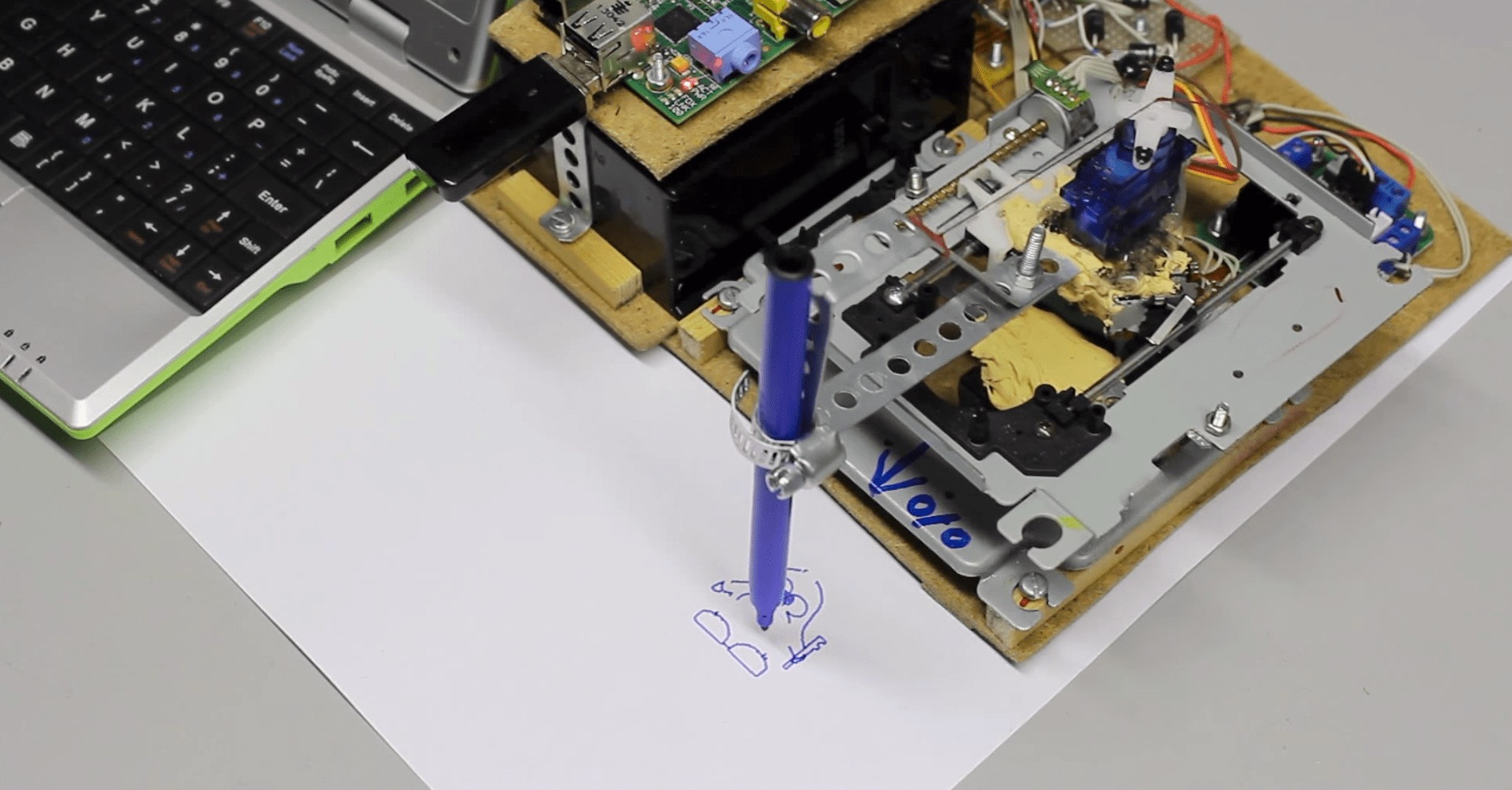 Make This Drawbot From Two Old Cd Drives