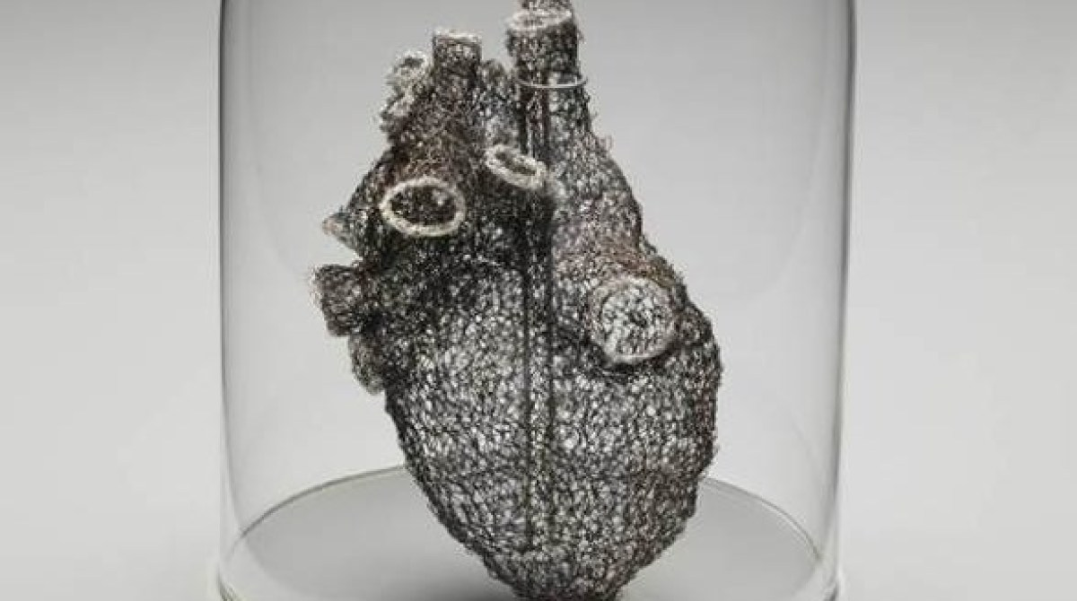 Artist Crochets Anatomically Correct Heart from Wire | Make:
