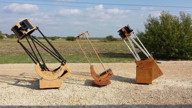 3 Dobsonian telescopes
