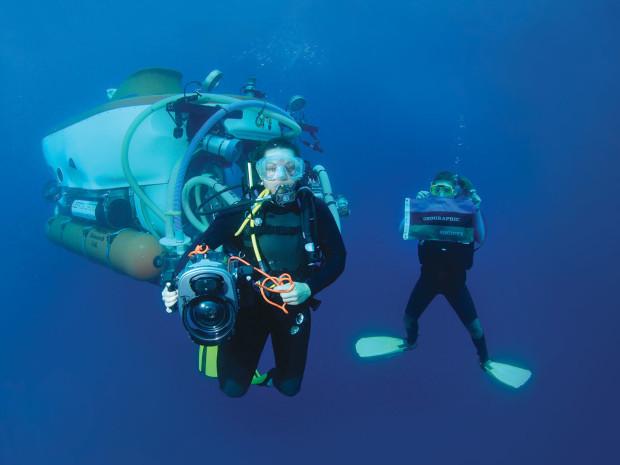 Explorer_Opener_underwater_2