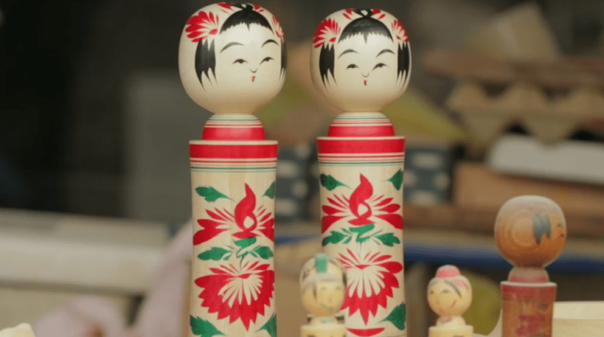 You Don't Have to Like Dolls to Enjoy This Kokeshi Doll-Making Video