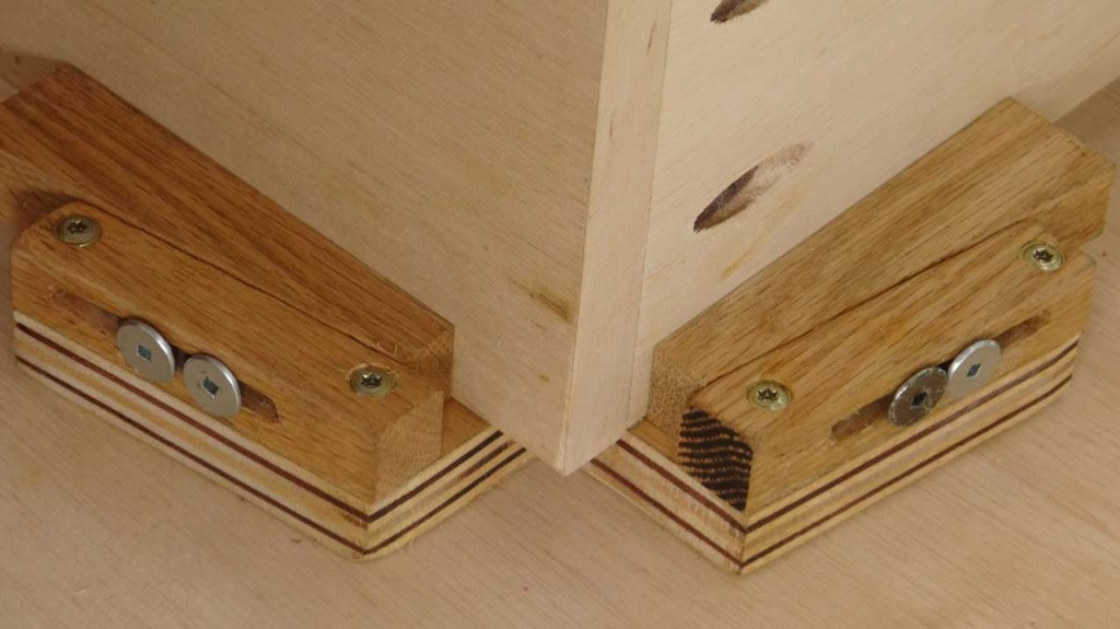 Make a Set of These Sweet Wedging Corner Clamps