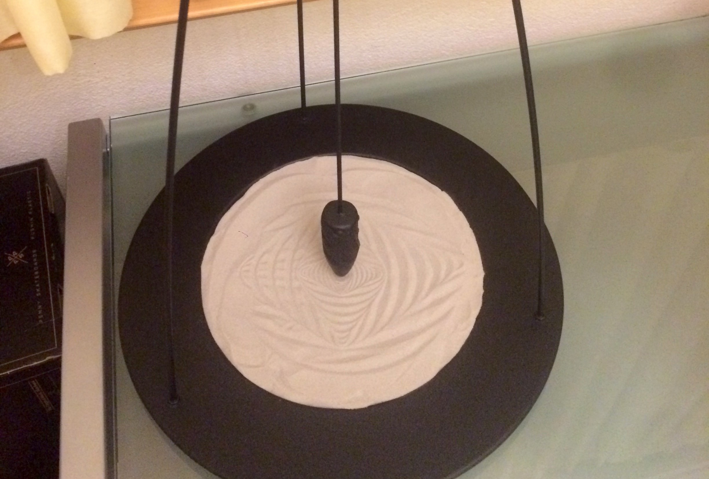 You'll Want to Build This Mesmerizing Sand Pendulum —And Then Stare at it for Hours