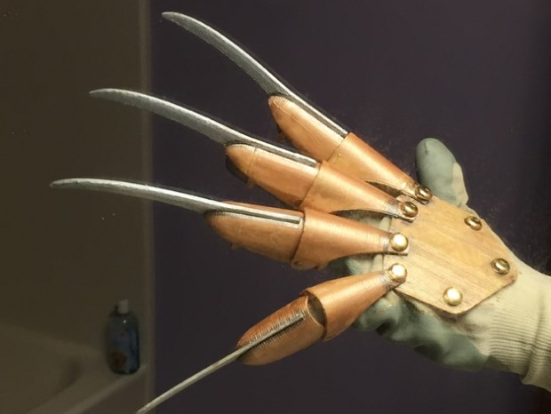 Peter Gross' Nightmare 3D printed glove can be made for free using a series of files found on Thingiverse.