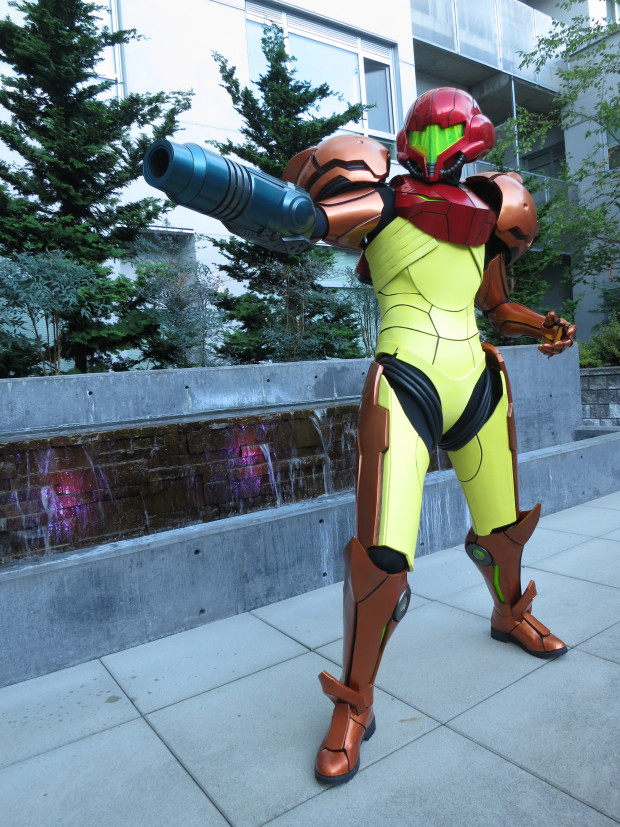 Talaaya's created her Varia Suit with the help of her friend Matthew Serle and a pair of Zcorp 450 3D printers.