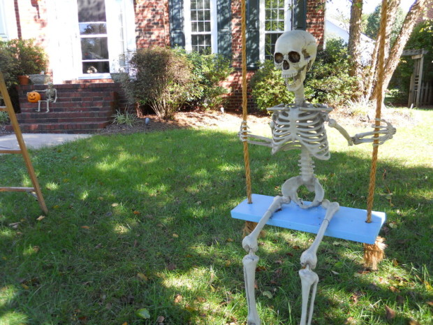 swinging skeleton
