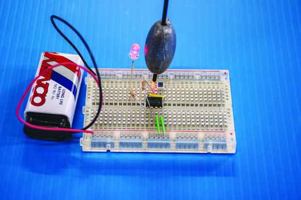Build a Beautiful Seismometer to Detect Quakes and Explosions | Make: