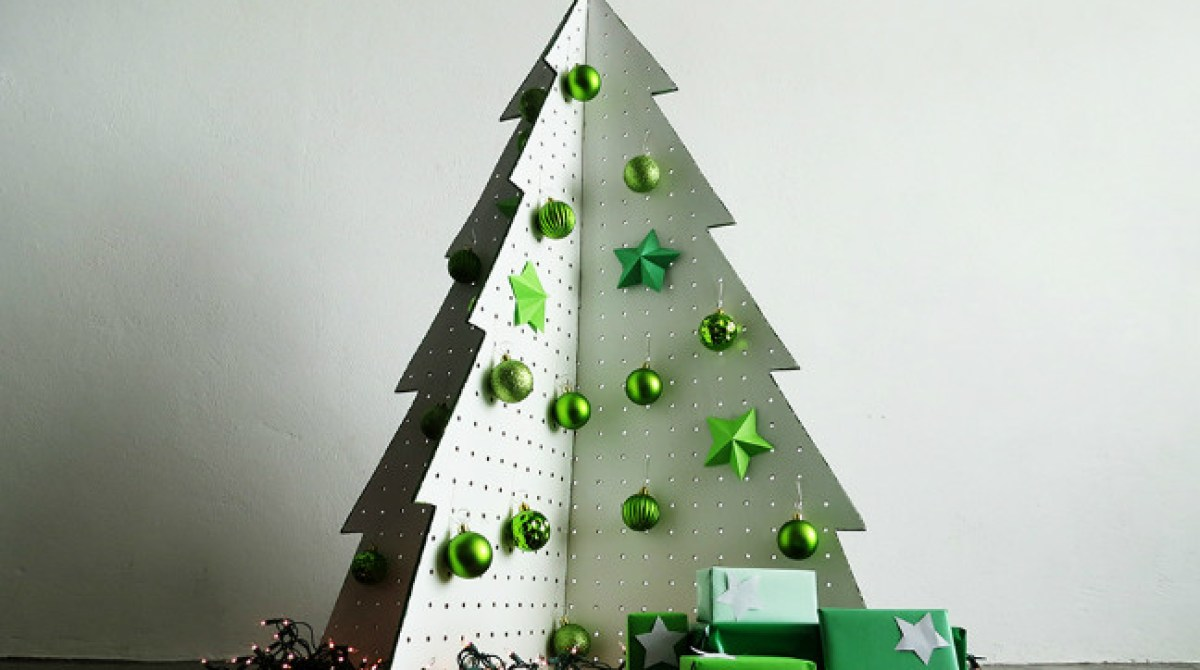 6 Fake Christmas Trees You Can Fold, 3D Print, Or Wire Up