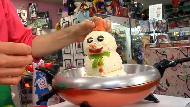 Recipe: Frosty The Cheeseball Man From Charles Phoenix