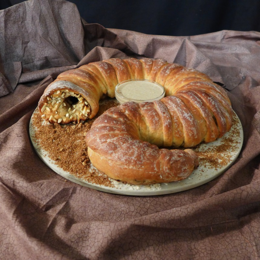 Make This Awesome Dune-Inspired Sandworm Bread
