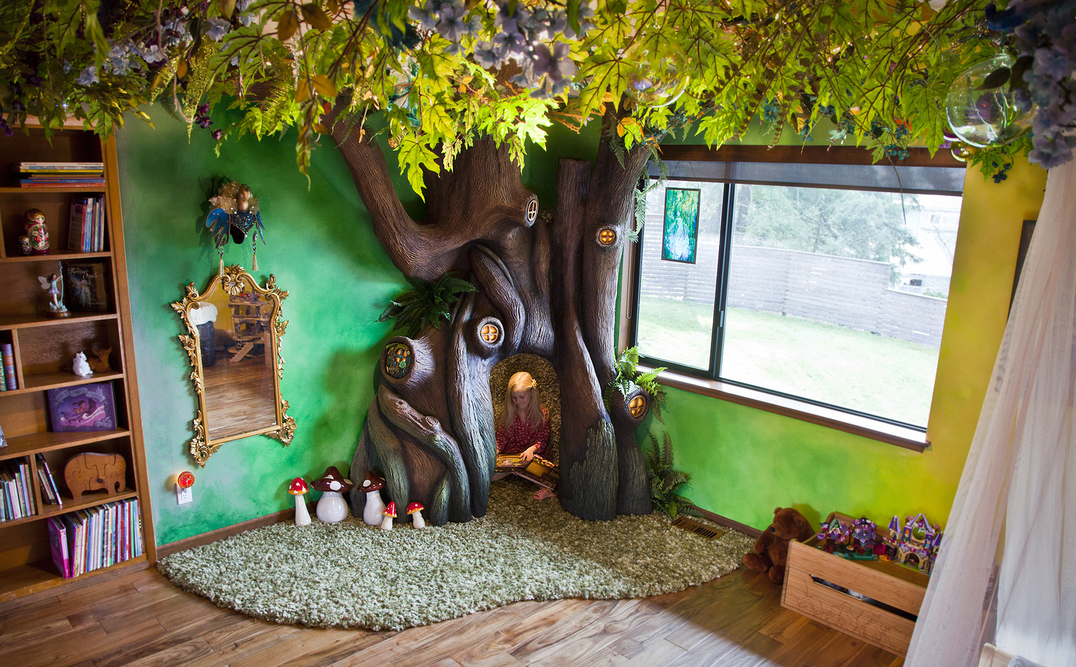 Dad Builds Insanely-Detailed Magical Treehouse in Daughter's Bedroom