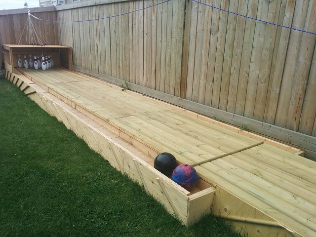 Build your own backyard bowling alley make diy backyard bowling alley1 solutioingenieria Images