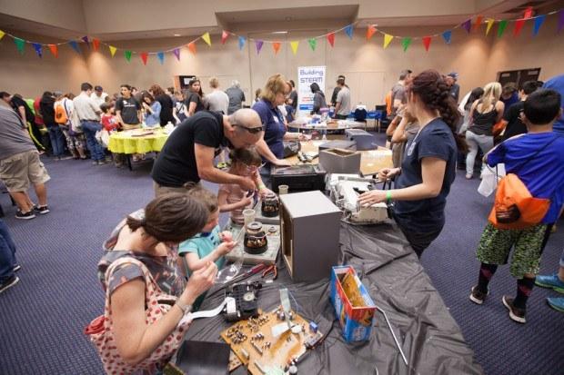 "Robin Pence, Adelson Educational Campus: www.adelsoncampus.org ""Kids taking things apart — Photo by Julian Kilker"""