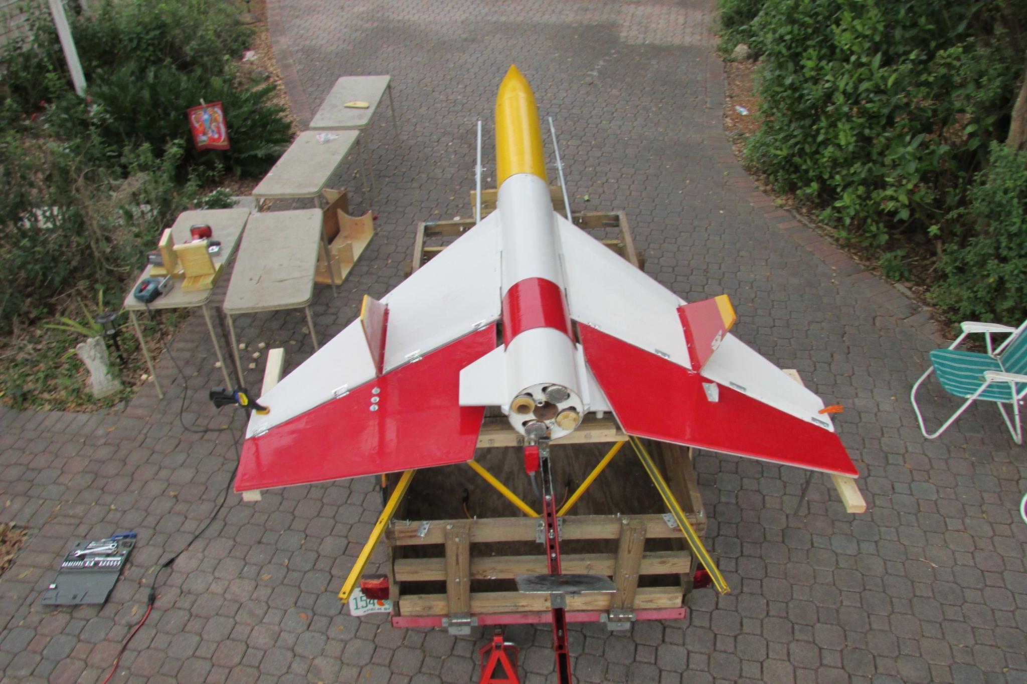 Hobby Rocketeers Build Amazing Upsized Estes Gyroc