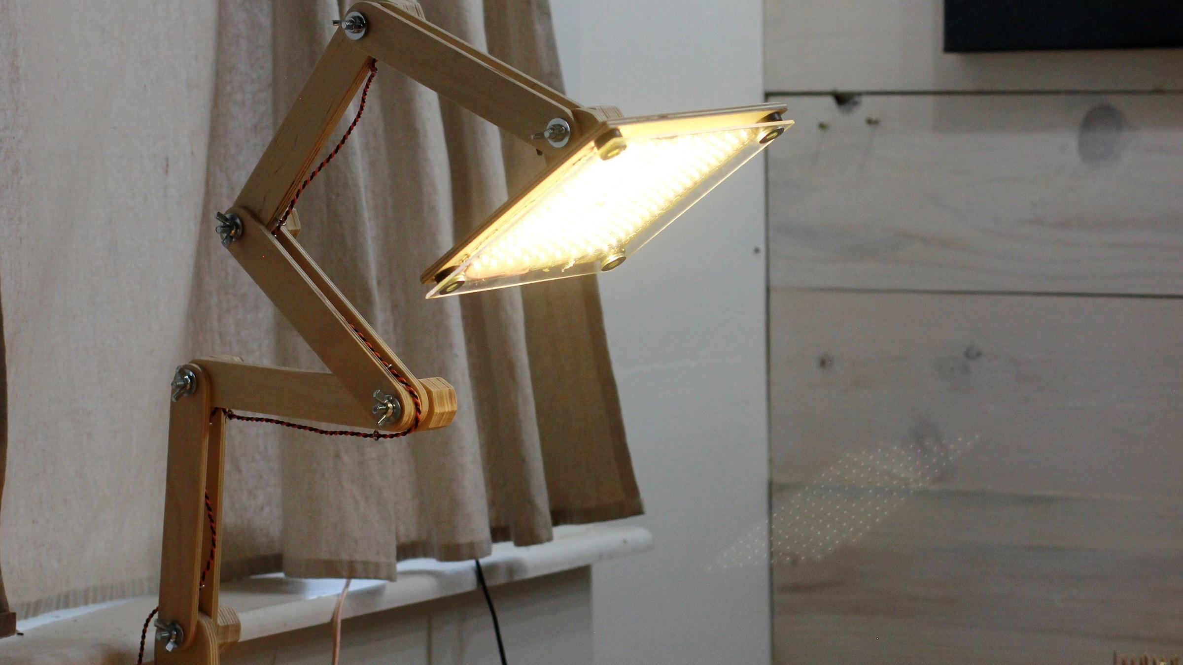Darbin Orvar: A Minimalist Articulated LED Lamp