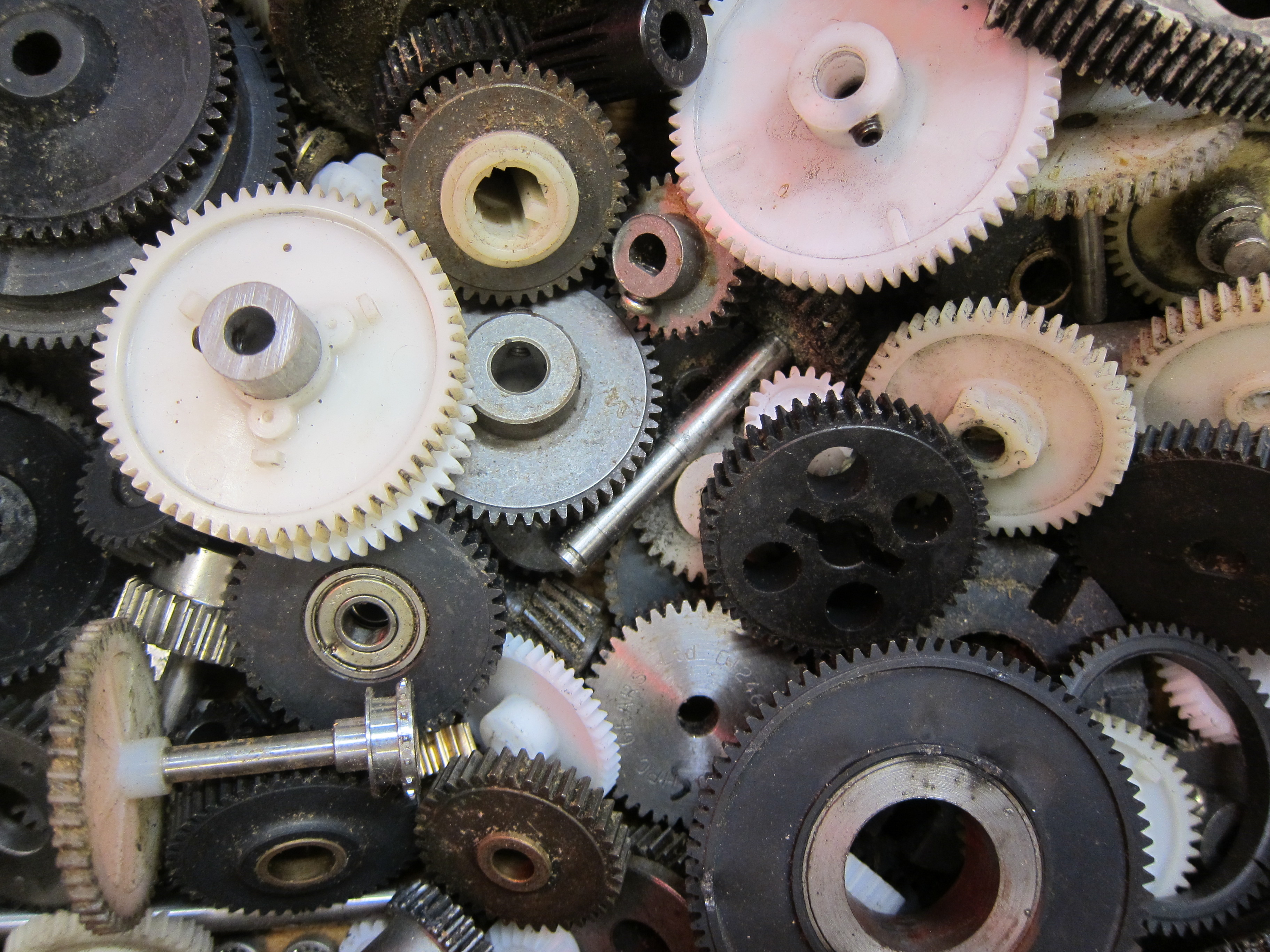 A Mechanical Engineer's Quick Tips for Using Gears