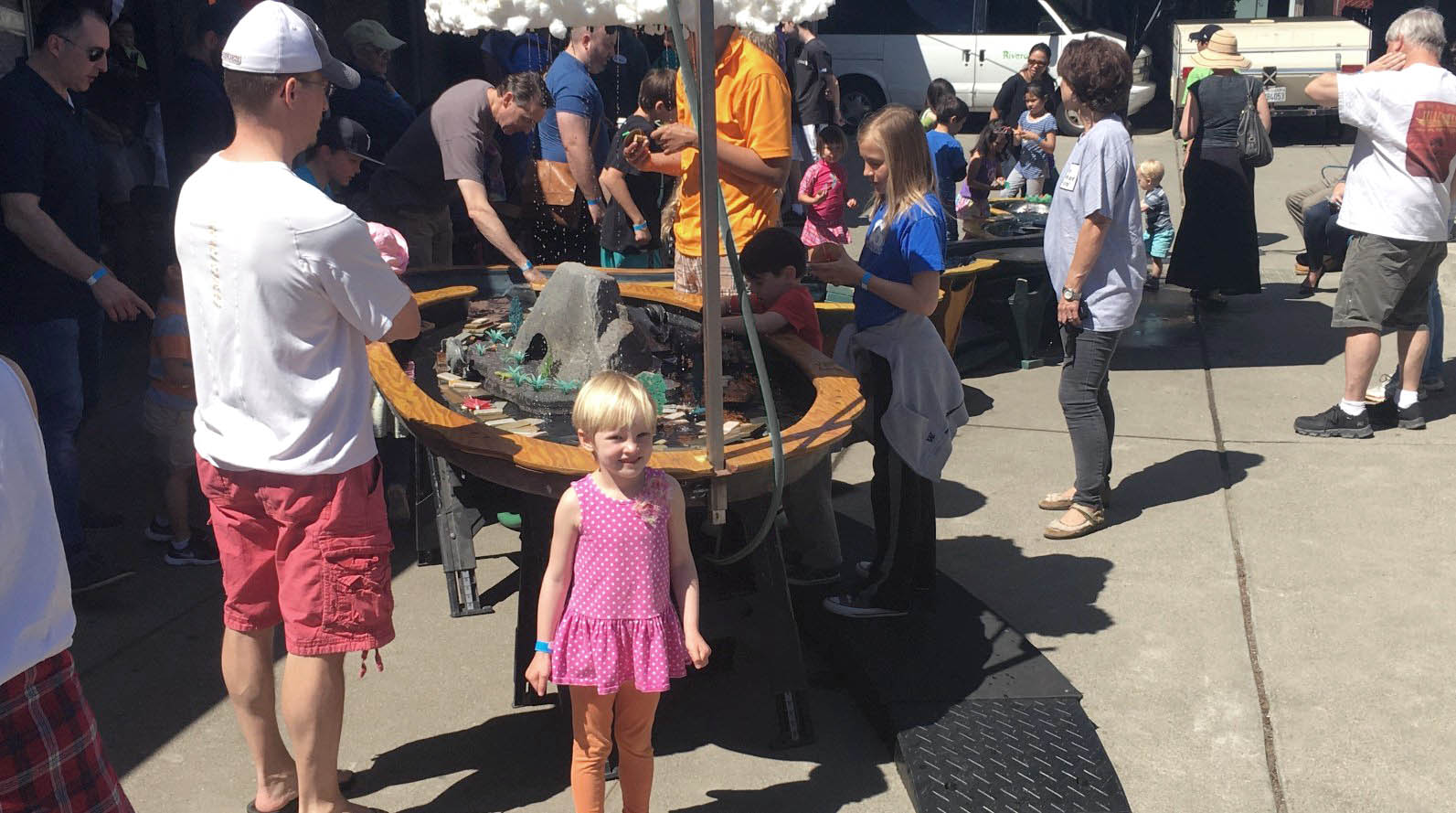 A Mini Maker Faire Virgin Has a Blast in Benicia