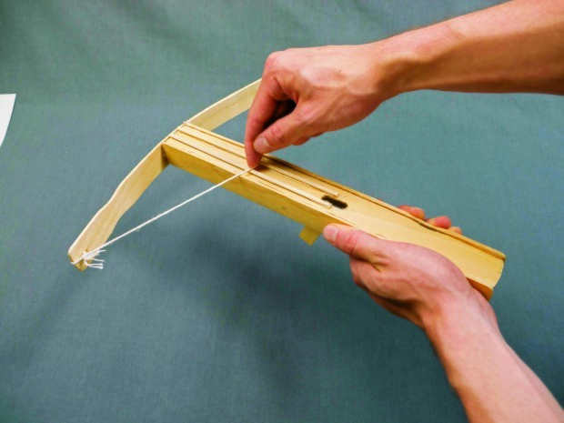 VIDEO) With Just a Few Supplies, You Can Learn How to Make a Paper Crossbow | 465x620