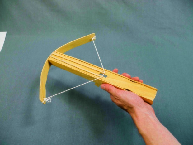Amazon.com: Watch How to make a Paper Pocket Mini Gun that Shoots Rubber  band - Easy Paper Gun Tutorials (2) | Prime Video | 465x620