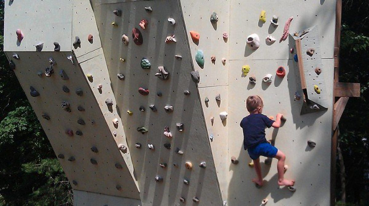 20 Diy Rock Climbing Walls To Bring The Mountains Closer To