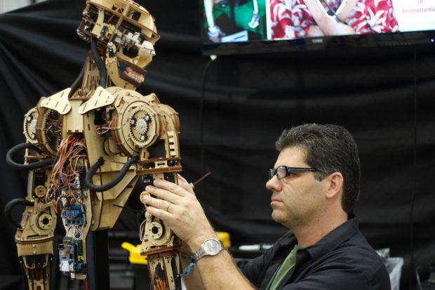 Building robots at Maker Faire (11:00, Alasdair Allan)