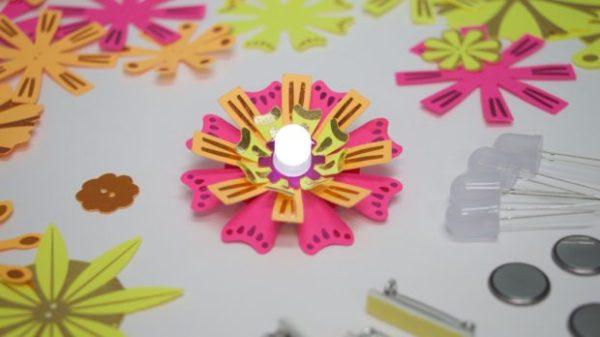 TechnoChic-LED-Make-Paper-Flower-Light-up-exploration18 (1)