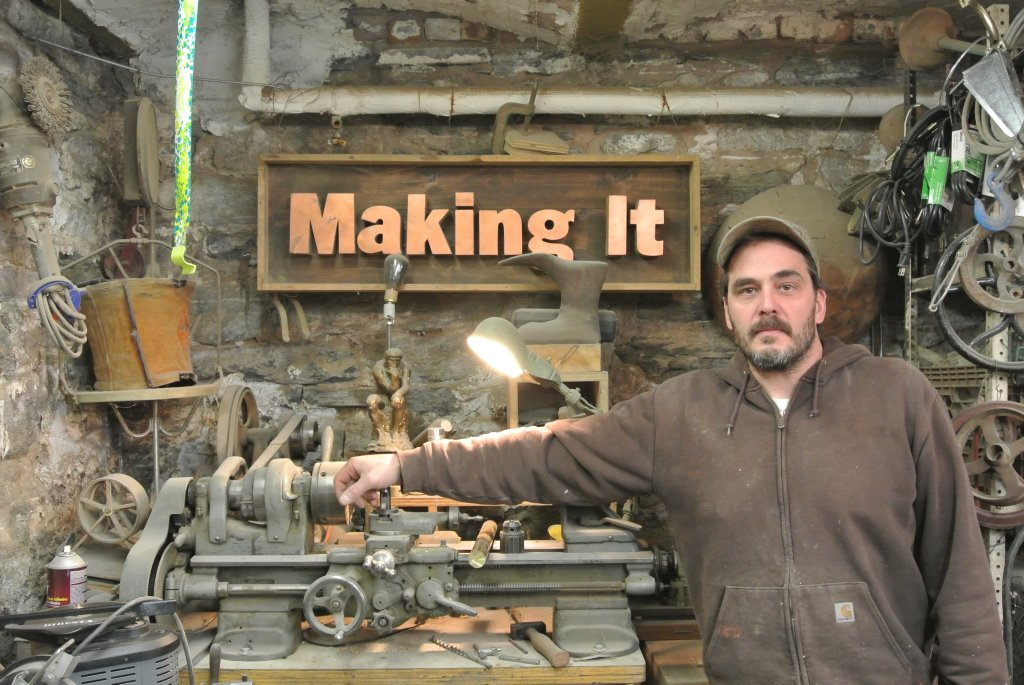 This Week in Making: Capacitors, Twitch, and Playing with Fire