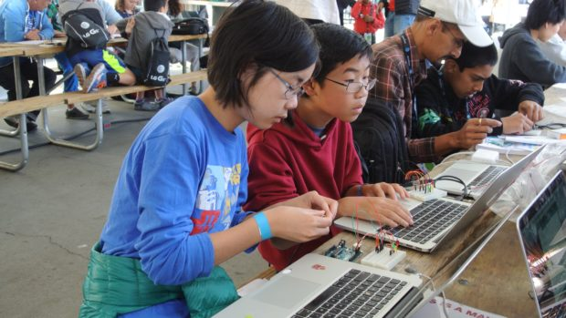 Kids programming at Maker Camp Live.