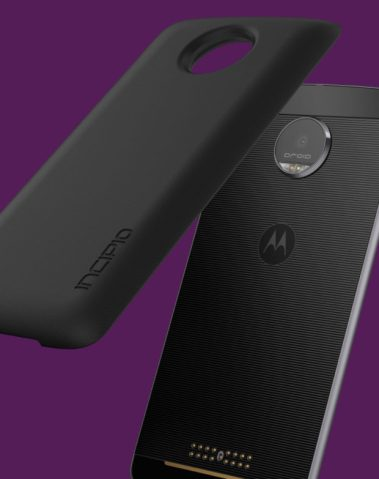 Moto Mods Incipio offGRID Power Pack features a 2220 mAh battery, providing up to 22-hours of battery life.