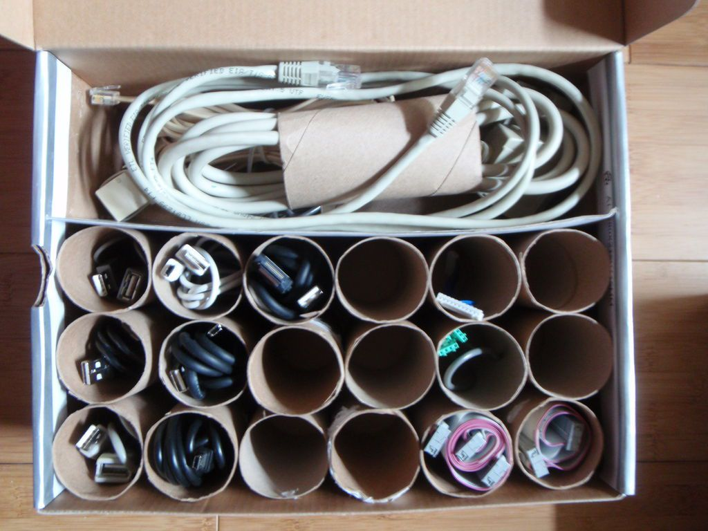 toilet-paper-roll-cord-organizer
