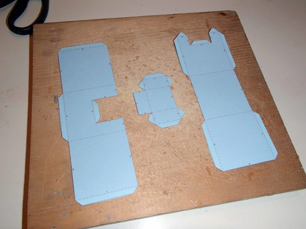 FIGURE 2-8: Pepakura model parts cut out