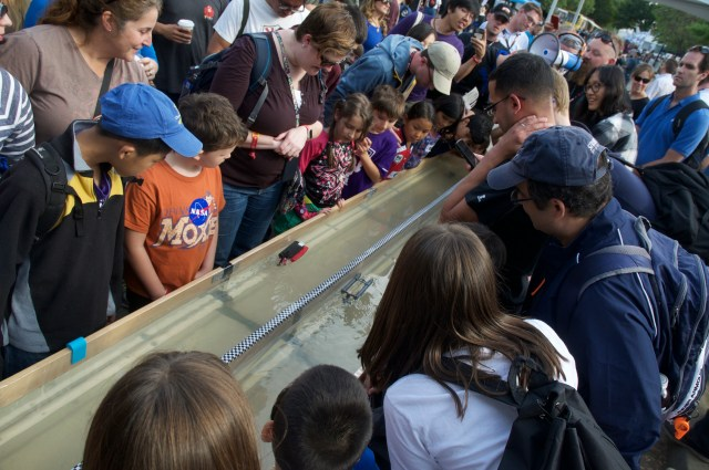 The Moat Boat Paddle Battle Returns To World Maker Faire