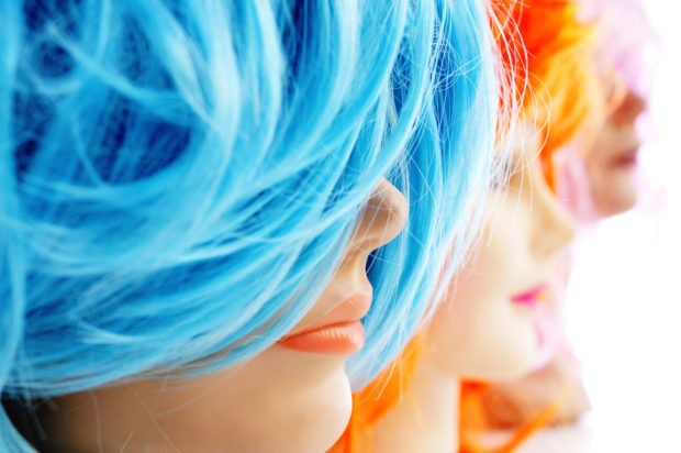 Synthetic wigs (c) NITO - Adobe Stock