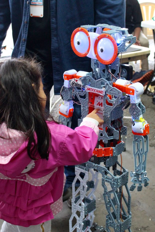 Meeting Meccano robots (Saturday, Alasdair Allan)