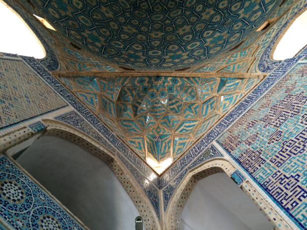jameh-mosque-yazd-walls-and-dome-brick