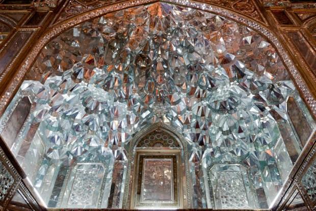 hall-of-diamonds-golestan-palace